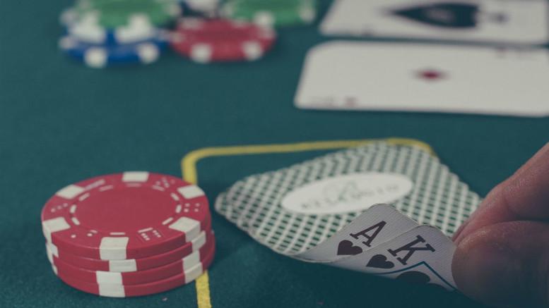 PokerCrop