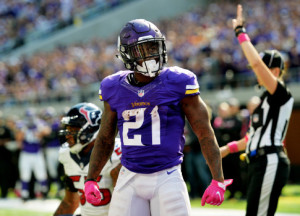 Minnesota Vikings running back Jerick McKinnon gives the fans a look after a tough run to set up a second and goal at the one against the Houston Texans r at U.S. Bank Stadium on Sunday, Oct. 9, 2016. The Vikings beat the Houston Texans to remain defeated. (Pioneer Press: John Autey)